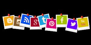 Auf diesem Bild sieht man aufgereiht mehrere Symbole von sozialen Netzwerken . Darunter Twitter, Google ,GooglePlus, Facebook, YouTube ,Pinterest ,RSS Feed, instagram und viele mehr . Die einzelnen Punkte sehen aus wie Polaroid Bilder die mit einer pinnadel befestigt sind. Jedes dieser Bilder hat eine eigene Hintergrundfarbe.